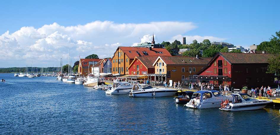 Tønsberg - navegar en Noruega