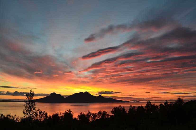 Sol de media noche - verano en Noruega